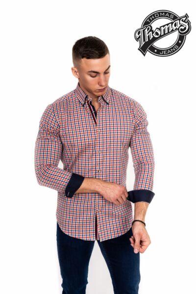 Lazac és kék kockás ing